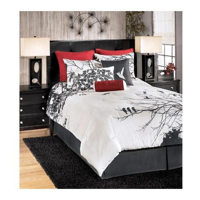 Amalia Red Queen Bedding Set