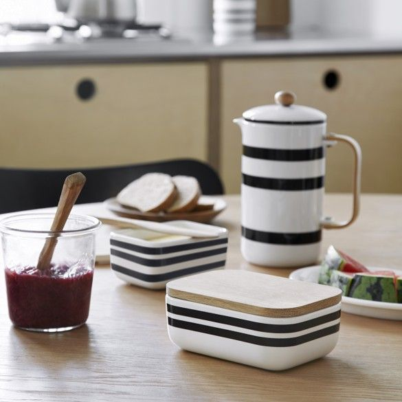 Use the butter dish for your scrumptious breakfast table filled with good raw materials, freshly baked bread, fresh coffee and good company.
