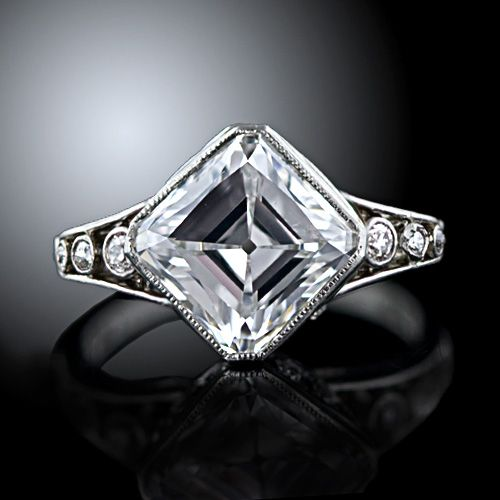 Edwardian diamond ring with an  early Asscher Cut (or square emerald cut) 'Golconda' Diamond.