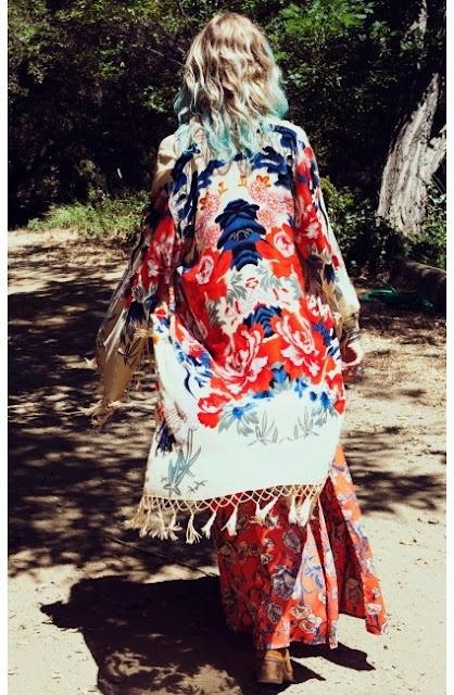 Amazing kimono!!!! Ahhh I need this #kimono #boho #gypsy