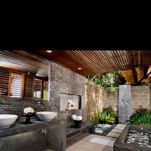 Wow! Indoor - outdoor bathroom (more like a spa)