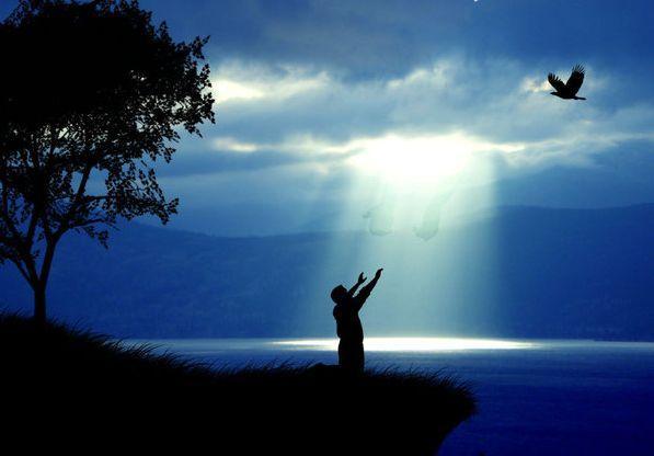 A paz seja convosco!  Esboço de pregação sobre o tema: Ofertas Aceitáveis  Texto: Gênesis 1:15  Introdução: O 1º ato de adoração a Deus registrada após a queda foi o de ofertar-lhe como forma de agradecimento.  1 - Depois da queda, Deus não rompeu seu relacionamento com o ser humano.  2 - O ser humano caído merecia a morte, mas Deus lhe ofereceu sua graça e amor.  3 - Pelo grande amor pela sua criação, o Senhor estabeleceu um caminho para que o homem pudesse restaurar o caminho.  4 - As…
