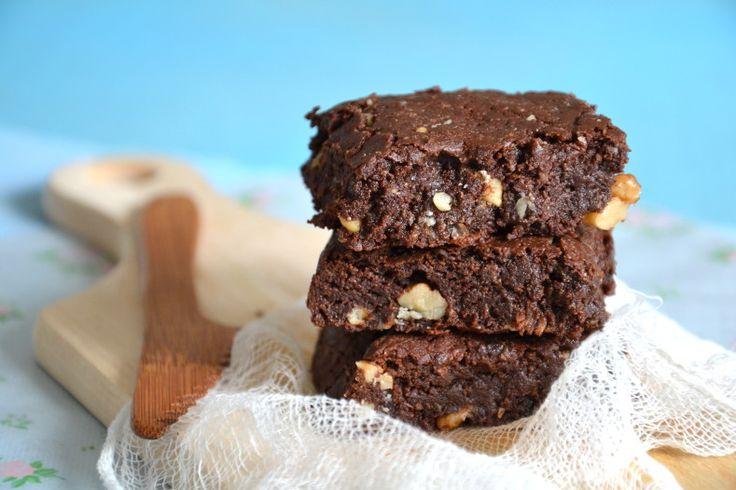 Une envie de chocolat irrépressible mardi dernier, et voilà le résultat ! Que je vous raconte... La veille du crime, je venais de réaliser une nouvelle recette salée qui, comme de coutume, était tout ce qu'il y a de plus sain. Des légumes, de bonnes graisses...