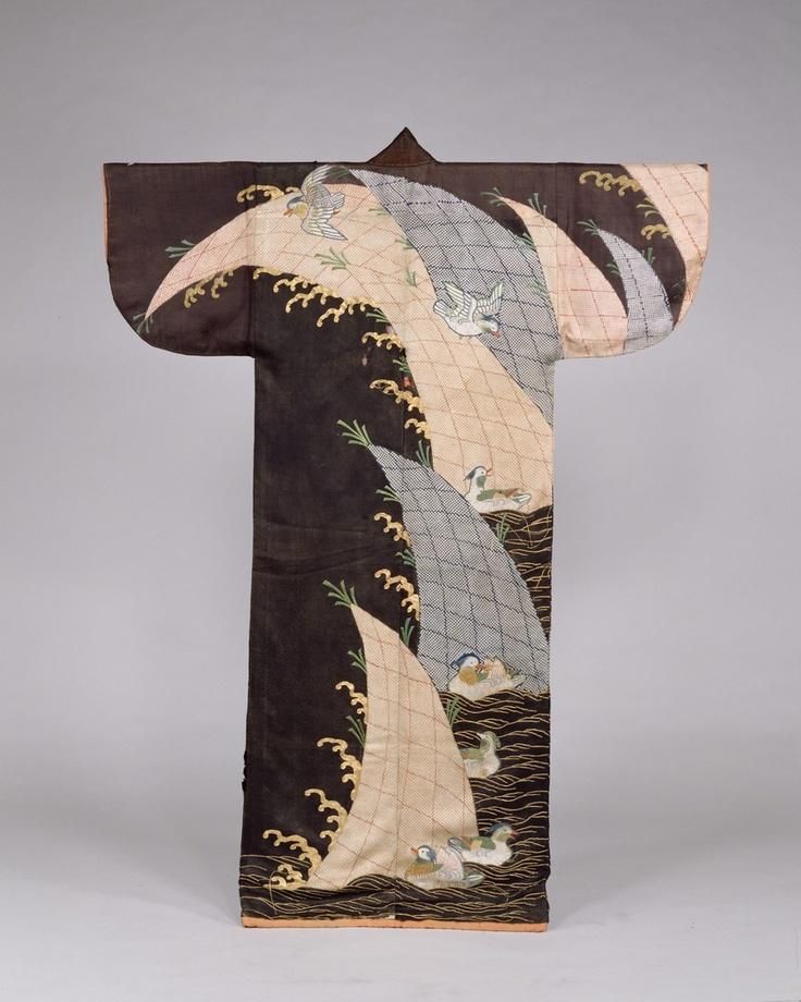 Kosode kimono, design of Mandarin ducks and waves on black figured satin: Important Cultural Property of Japan, Edo era (17th century) 小袖 黒綸子地波鴛鴦模様(重要文化財)