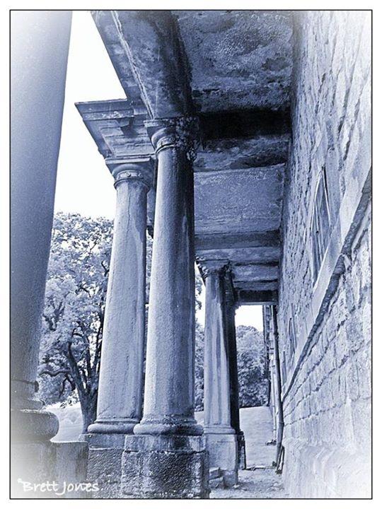 Handsome Doric columns grace facade of Château d'Arlay, #Jura