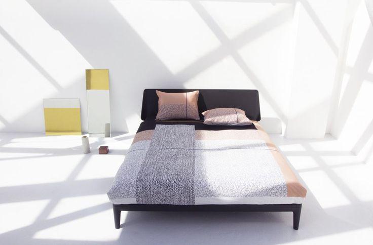 Auping Essential mit Bettwäsche von Mae Engelgeer