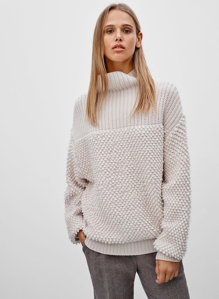 Best chunky sweater by far! Wilfred Monpellier sweater at Aritzia. | www.bold-in-gold.com #boldingoldblog