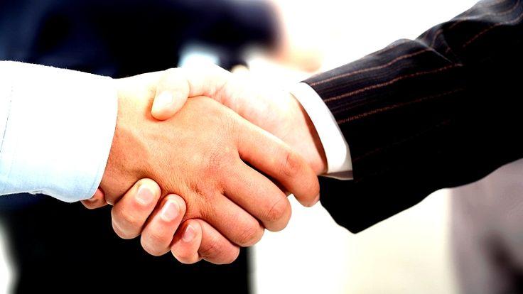 Zaufanie w marketingu internetowym jest niesamowicie ważne.  O tym DLACZEGO i JAK je budować, zobaczysz tutaj:   http://blog.swiatlyebiznes.pl/dlaczego-i-jak-budowac-zaufanie-do-siebie-w-marketingu-internetowym/