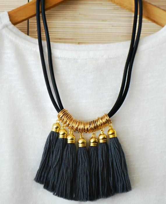 Collar de flecos gris oro borla collar negro declaración collar collar Tribal Boho chic joyas franja negra joyería San Valentín regalos