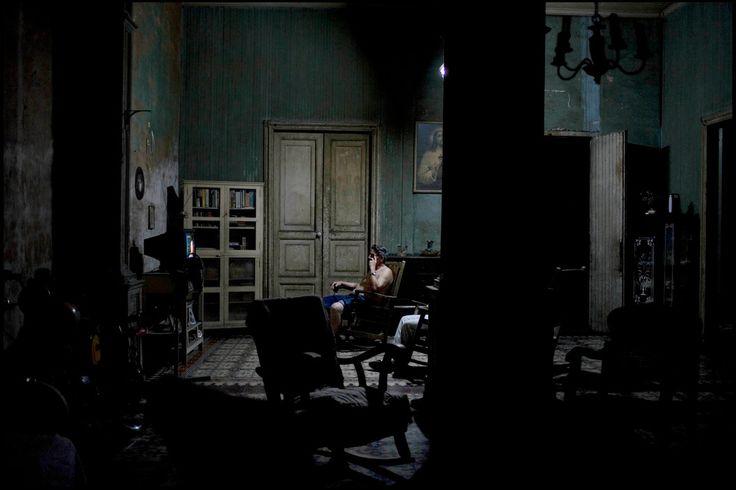 Jerome Sessini CUBA. Santiago de Cuba. January 4, 2008. Cuban interior.