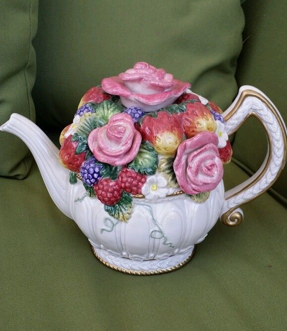 RARE ~ VINTAGE ~ OCI Fitz & Floyd ~ Flower Bouquet Tea Pot