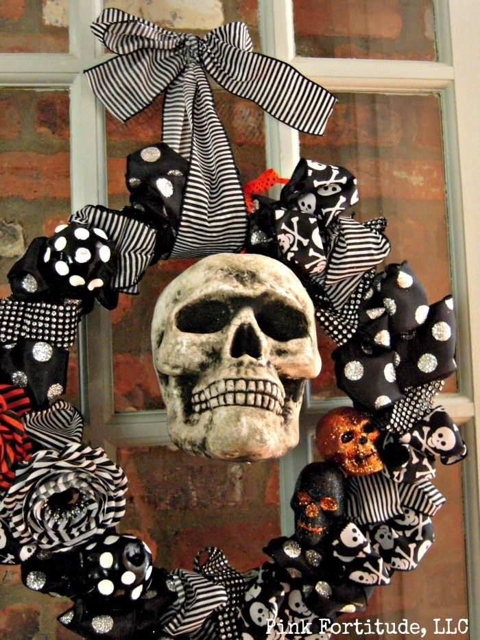 Mr. Boo's Blinged Out Wreath by coconutheadsurvivalguide.com #halloween #craft #skull