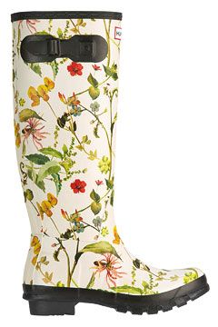 fabulous garden rubber boots. #rubberboots