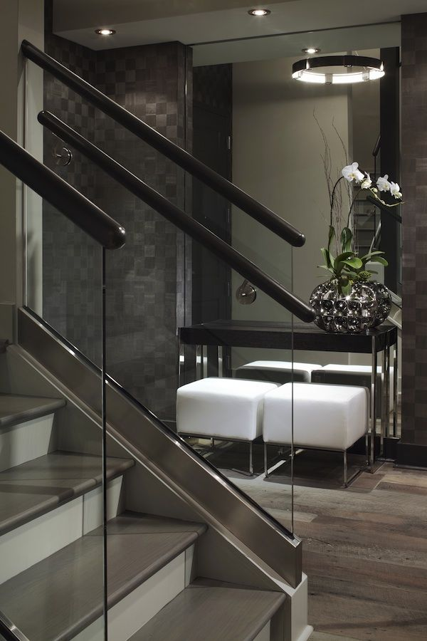 Love the idea of mirroring the entire nook in the foyer. Lita Dirks, Manhattan Penthouse