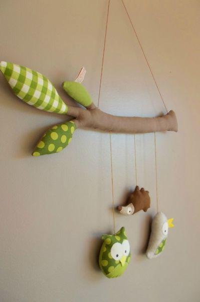 Espaço Infantil – 14 Ideias de Móbiles de Feltro para Quarto de Bebê 11