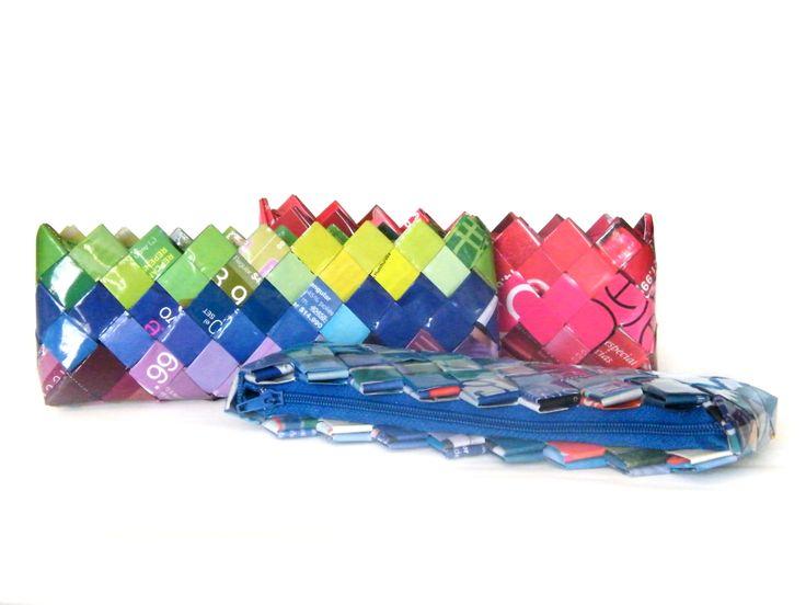 hermoso estuche hecho con papel de revistas