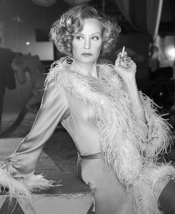Jessica Lange como Elsa Mars - protagonista de American Horror Story: Freak Show  Diva absoluta!