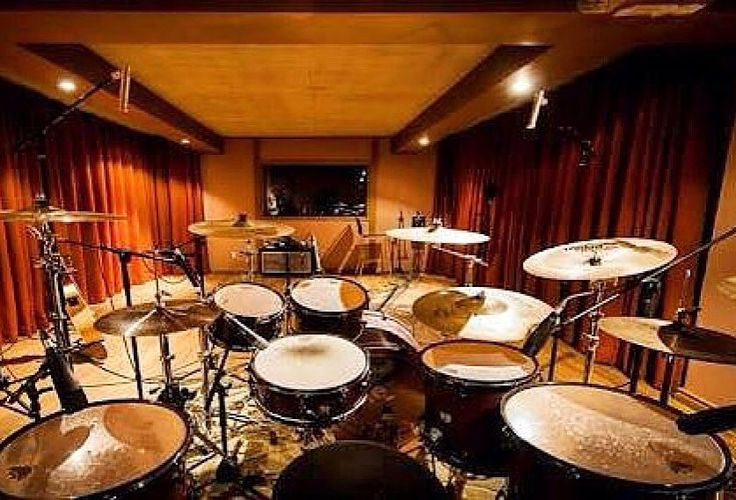 Forget a theatre. Get a drum room  Featured  @leko_drummer  #drum#drums#drummer#drummerboy#drumset#drumkit#drumporn#drumline#drummergirl#recordingstudio#musico#baterista#instadrum#drumming#percussion#percussionist#beat#drumsoutlet#tama#DWdrums#ludwig#sjcdrums#gretsch#Bateria#pearl#drumlife#drumdrumdrum#sessiondrummer#drumsticks by drumset_up