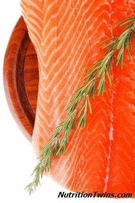 Barbecue Salmon Recipe | One of the healthiest ways to repair your muscles after a workout | Great barby option to repair inflammation & soothe skin! | NutritionTwins.com