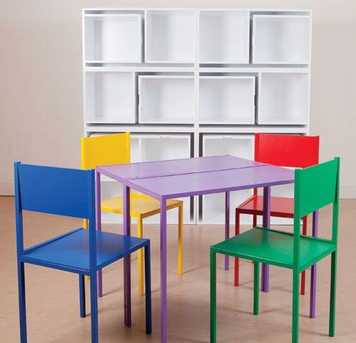 Mobili multifunzione: tavolo + sedie = libreria