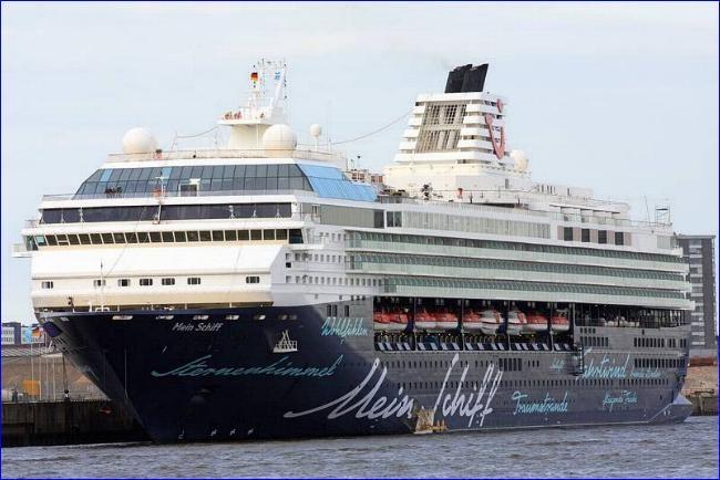 MEIN SCHIFF 1. Ιδιοκτησία: TUI Cruises Gmbh. - Germany. (Beneficial owner: TUI AG. - Germany). Διαχείρηση: Tui Cruises (joint venture between Royal Caribbean Cruises Ltd. 50% & TUI AG. 50%). Παρθενικό ταξίδι στις 21/12/1996. Celebrity Galaxy. Galaxy. 76.998 GT ~ 263,90 μ.μ. ~ 32,13 μ.πλάτος ~ 11 κατ/τα ~ 21,5 knots ~ 1.924 ~2.114 επ. ~ 900 ατ.πλ.