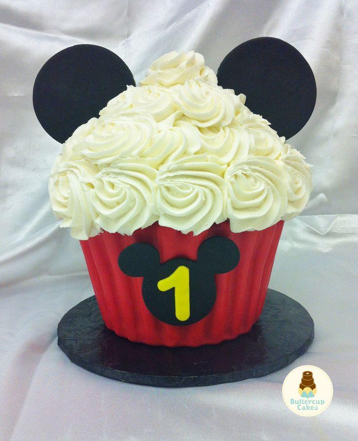 Mickey Mouse Smash Cake: Mickey Mouse Cupcake Cake