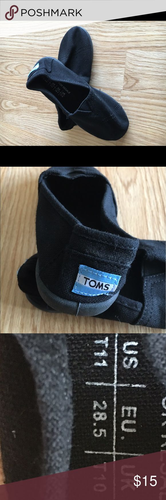 Kids Toms shoes Black Toms that are like new. Great condition, minimal wear. TOMS Shoes