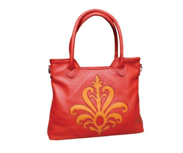 Sienna Handbag www.indiansummerleather.com #purses #handbags #canada #fashion