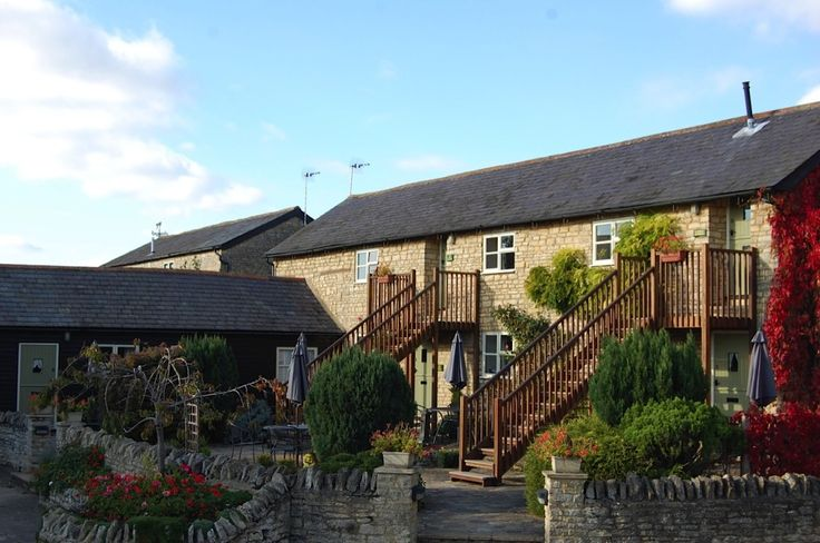 The Old Stone Barn, Warrington, Olney, Buckinghamshire. Pet Friendly Self Catering Holiday Accommodation in England. Accepts dogs #WeAcceptPets