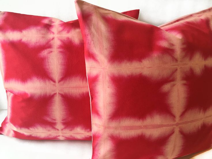 I am so excited to present 2 new Shibori inspired pillows to my #etsy shop! I love the combination of red and soft pink and these 20x20 inch babies will look great on any sofa. Only 2 available. #CarrieJoanStudio #OOAK  Buy now: http://etsy.me/2CBlB9l