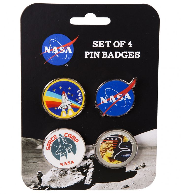 Show your pals who\'s the (space)man with this cool set of pin badges. Featuring famous icon\'s and logo\'s associated with the world renowned company, these are a must have for any keen follower of all things spacey!