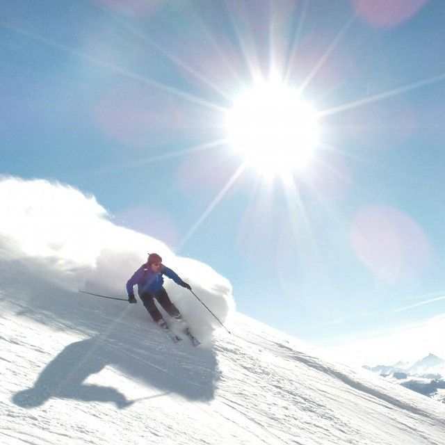 A photo this good deserves Epic skier of the day. Well done Ed. #lenzerheide #skiing