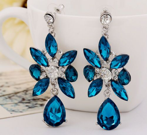 New-fashion-beautiful-Mrs-Design-Noble-blue-crystal-flower-earrings