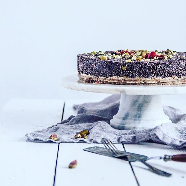 Im in love with cake stand! @scandishop.pl @madamstoltz 😻 #foodphotography #foodphotographer #foodstagram #instafood #foodprops #foodstyling #cake #paleo #poppyseed #marble