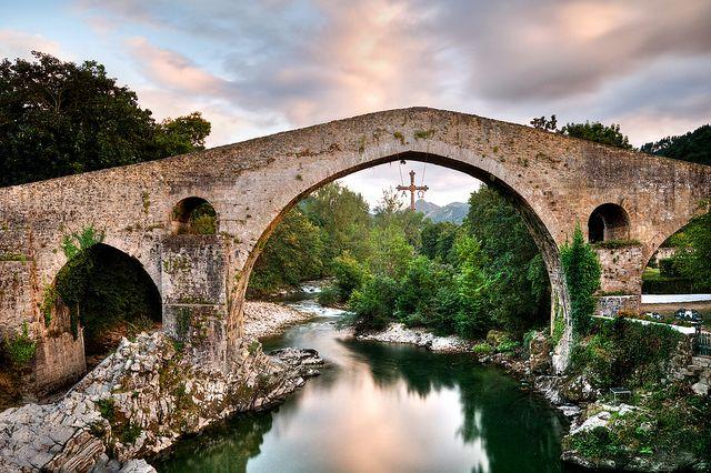 Puente romano Cangas de Onis | Flickr: Intercambio de fotos