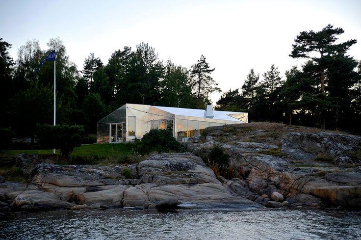http://leibal.com/architecture/aluminum-cabin/ #minimalism #minimalist #minimal