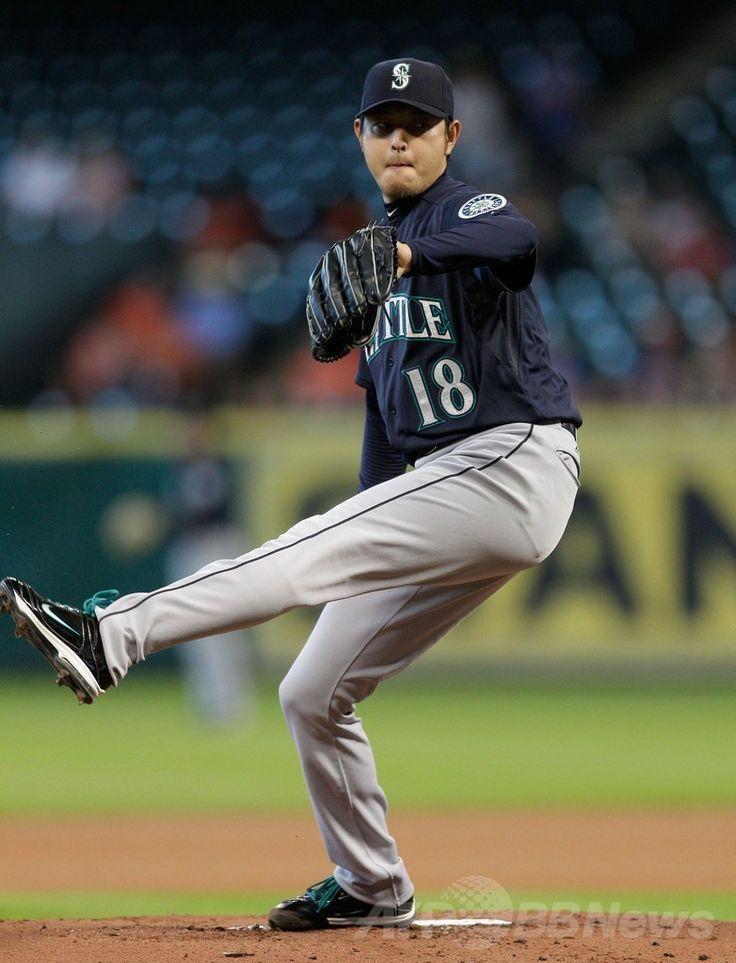 14MLB、シアトル・マリナーズ(Seattle Mariners)対ヒューストン・アストロズ(Houston Astros)。先発登板したシアトル・マリナーズの岩隈久志(Hisashi Iwakuma、2014年5月3日撮影)。(c)AFP/Getty Images/Bob Levey ▼4May2014AFP|マリナーズの岩隈が今季初登板で初勝利 http://www.afpbb.com/articles/-/3014131 #Hisashi_Iwakuma #Mariners