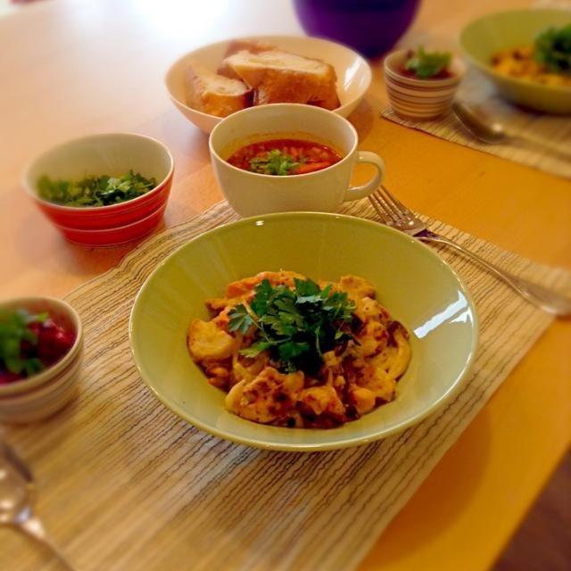 今日のランチです。サイドメニューは、サリヤンカというロシア料理とビーツのサラダ 美味しかった - 5件のもぐもぐ - 里芋とシャケの味噌チーズ焼き by Rico Igarashi