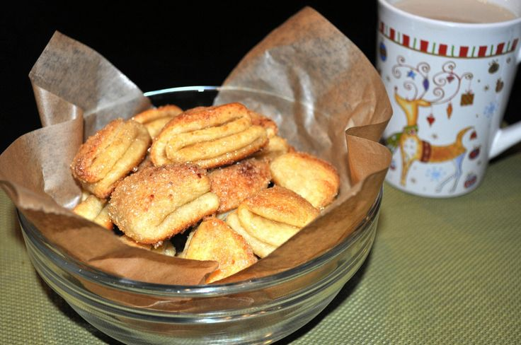 Очень вкусное, а самое главное, простое творожное печенье, истоки которого уходят в далёкое детство