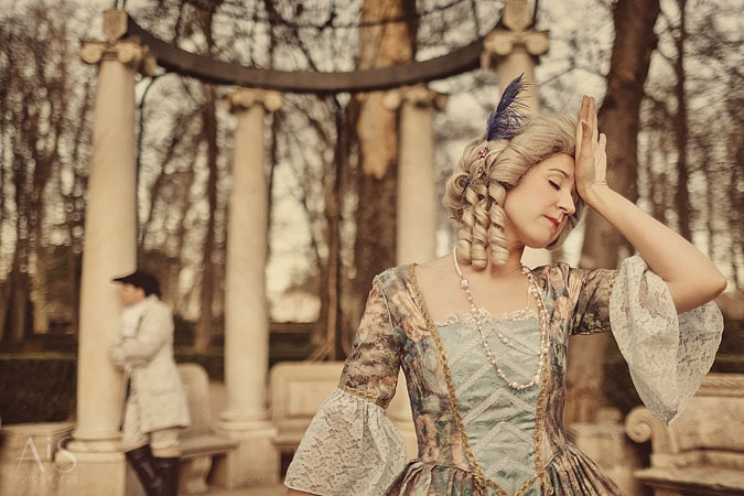 Redefining the meaning of a trash the dress a photo shoot inspired in the eighteenth century by AiS Fotografos