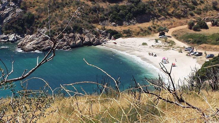 Η μυστική παραδεισένια παραλία της Νότιας Εύβοιας!