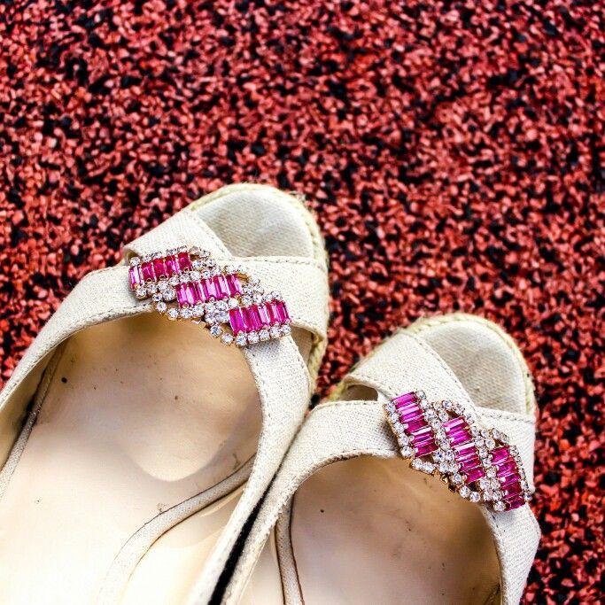 Pink callaina shoe clips.. Www.zero-stores.com