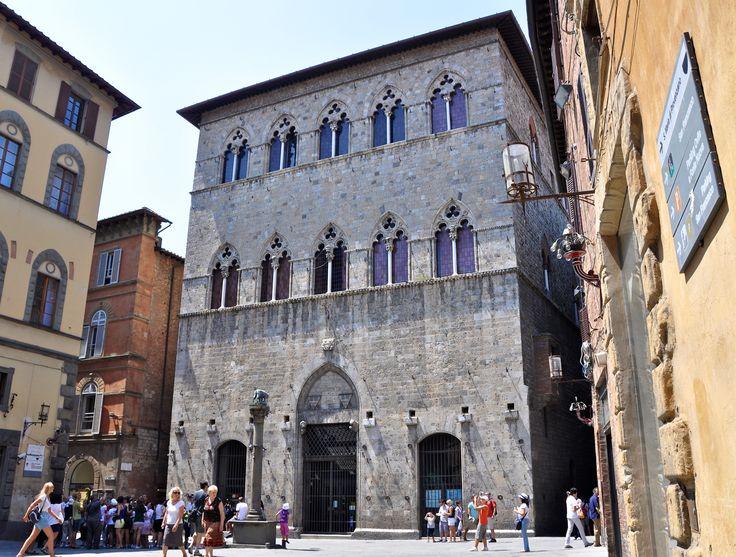 Siena: Palazzo Tolomei
