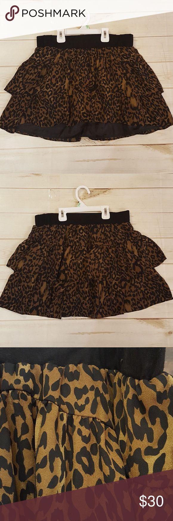 GB womens cheetah skirt! Size medium. Black thick band with ruffled cheetah skirt! GB Skirts