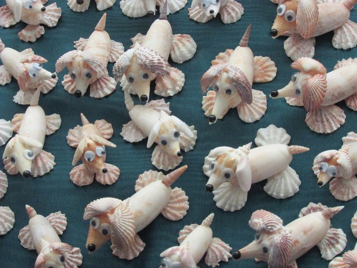 seashell dogs, could use some small driftwood for the body as those shells are hard to find.