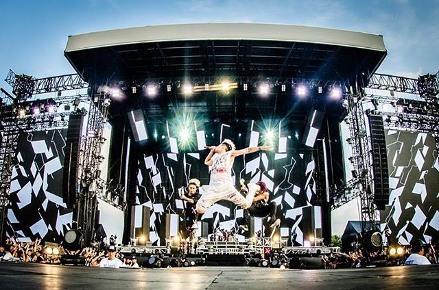ONE OK ROCK 2016 SPECIAL LIVE IN NAGISAEN – DAY 2 Photo by @julenphoto More photos: http://spice.eplus.jp/articles/77028 #oneokrock #oneokrockworld