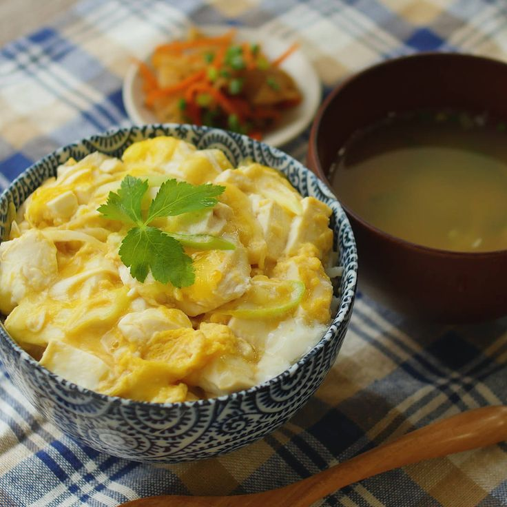 レンジだけで癒し系ごはん!ふわふわ豆腐の卵とじ丼