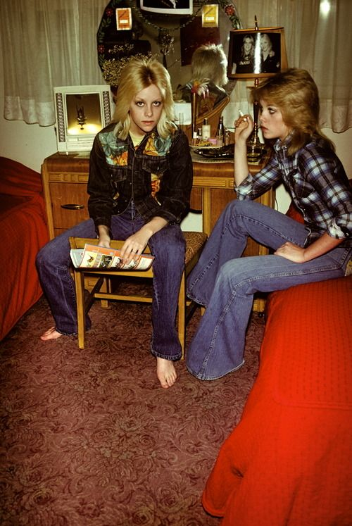 Cherie and Marie Currie, 1970s. Photo by Brad Elterman.