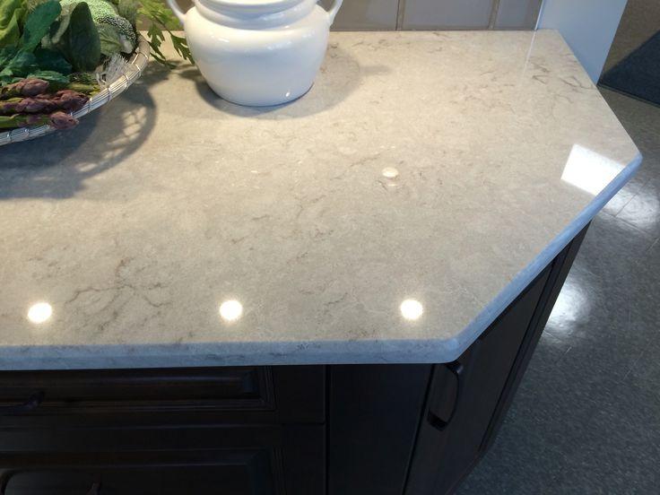 Kitchen counter Caesarstone Bianco Drift