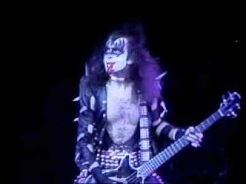 KISS - Gene Simmons Blood Solo 1975